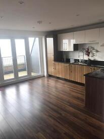 2 bed penthouse flat to rent close to Wickford High Street
