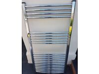 Brand new curved chrome towel warmer. Very good condition.