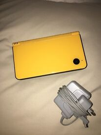DSI XL comes with charger