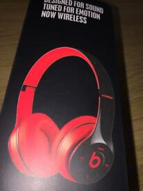 NEW Beats Solo2 Wireless Headphones by Dr.Dre