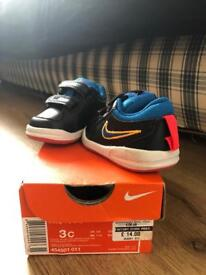 Nike toddler size 2.5