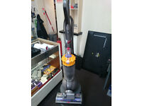 DYSON BALL DC40 UPRIGHT VACUUM CLEANER GOOD CONDITION