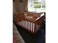 MOTHERCARE JAMESTOWN COT/COTBED