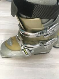 Solomon Scarpa Ski boots size 5.5