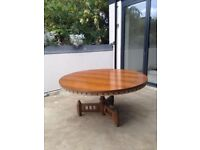 Lovely vintage round oak dining room table