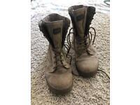 Magnum desert combat boots size 9