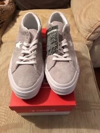 Men's Suede converse, brand new size 9