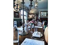 Stunning riverside Bar & Restaurant looing for waiting staff