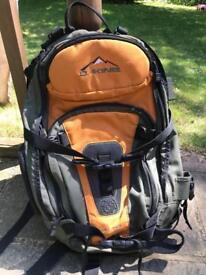 Dakine Heli-Pro Large Snow Backpack / Rucksack