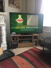 50 inch hitachi smart tv £250 or vno. SOLD SORRY