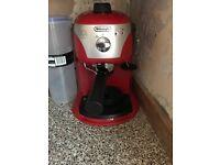 DE'LONGHI ECC220 PUMP ESPRESSO MACHINE IN RED
