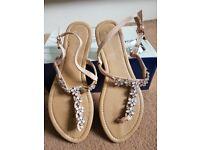 Beautiful Ladies Summer Sandals - Gem stone floral Design Size UK 8