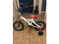 Peddle bike with stablelisers ages 2-6 years