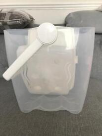 Milton Cold Water Steriliser In Good Condition!