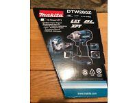 "Makita DTW285Z 18v LXT Brushless Impact Wrench 1/2"" Drive and Makita Impact Bit Socket"