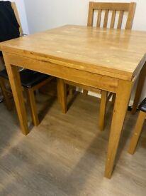 Extendable Oak Table