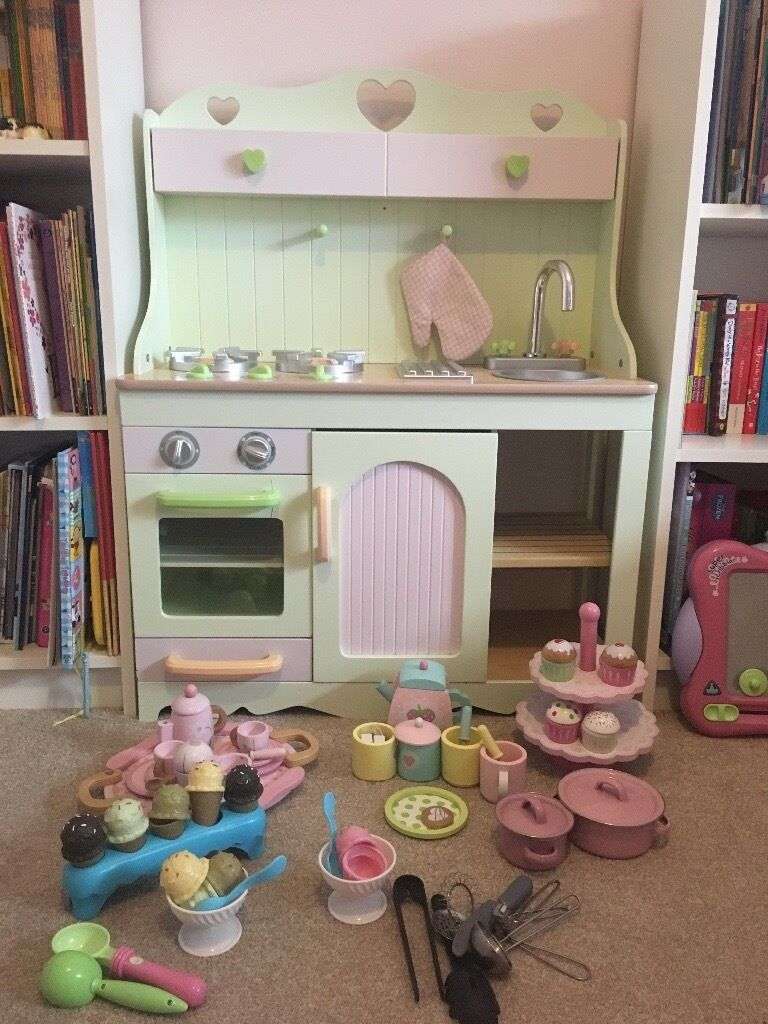 Beautiful Early Learning Centre Country Kitchen Toy
