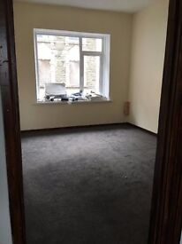 Bargoed High Street Flat to let 2 Bedroom