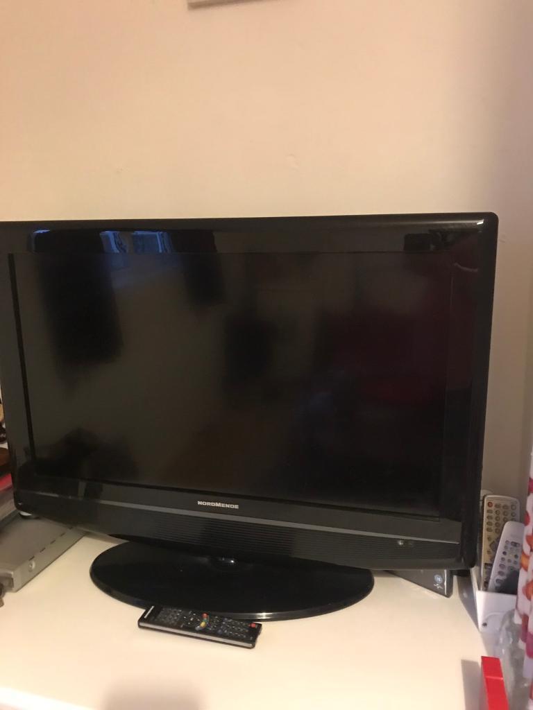 FORSALE 32INCH LCD FLATSCREEN TV