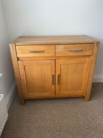 Solid Oak, Ex Hatfields, . Excellent condition. Pet / Smoke free house.