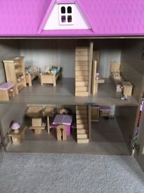 Dolls house and wooden dolls/furniture