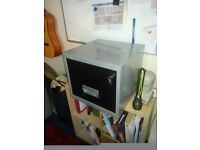 filing cabinet with both keys