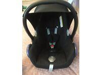 Maxi Cosi Baby (0-9 months) Car Seat - Cabrio Fix