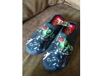 MENS MARVEL AVENGERS SLIPPERS (Large size 10)