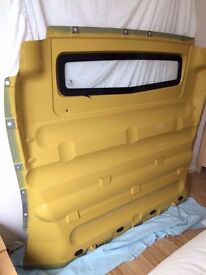 Bulkhead Renault Traffic 59 reg - Yellow bulk head