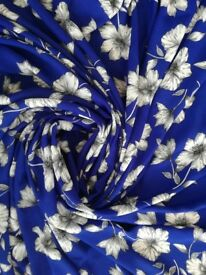 1.5x1.5m crepe fabric for dressmaking, royal blue and white floral print
