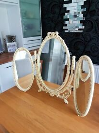 LOUIS TRIPLE DRESSING TABLE MIRROR.