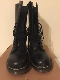 Dr Martens 1914 14 eye combat boots size 5UK