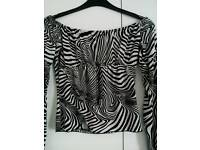 Lovely b/w patterned off the shoulder top. Only £6