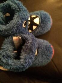 Boys infant slipper size 5