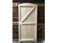 SOLID FLAT OR ROUND TOP TGV (CLADDING) HANDMADE SIDE/GARDEN GATE