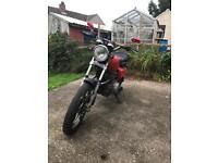 Motorcycle. Honda cm250!! Collectors