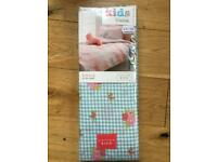 Catherine Lansfield kids blue check/flowers single fitted sheet.