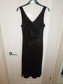 A Ladies Planet Black Size 12 Sleeveless-Fully Lined