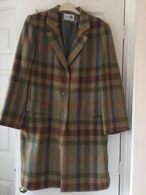 Beautiful Ladies 3/4 length Tweed Coat. Sixe 14/16 Worn once only. Reduced for quick sale.