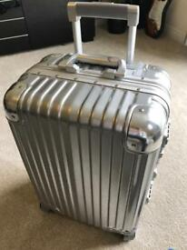 Aluminium & Polycarbonate 4 Wheel Spinner Hand Luggage Suitcase 20inch