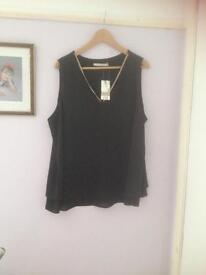 Ladies top size 20 new with tag
