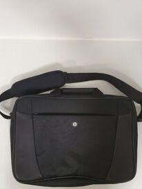 HP Essential top load case 15,6''