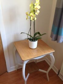 Solid Oak Side Table with attractive features and lower shelf in excellent condition.