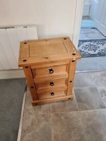 Free pine chest of drawers
