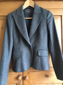 Lovely italian jacket in size 8 (euro 40)