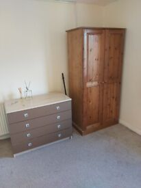 GOOD SIZE NICE DOUBLE FIRST FLOOR UNFURNISHED NO GROWERS NO AGENTS PLEASE