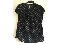 Black and white polka-dot top - size 10.