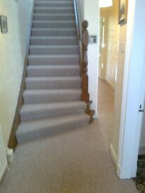 PROFESSIONAL CARPET/VINYL FITTER AVAILABLE NOW