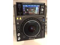 Pair of Pioneer XDJ-1000mk2 decks