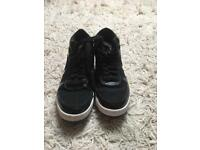 Converse men's trainers size 7